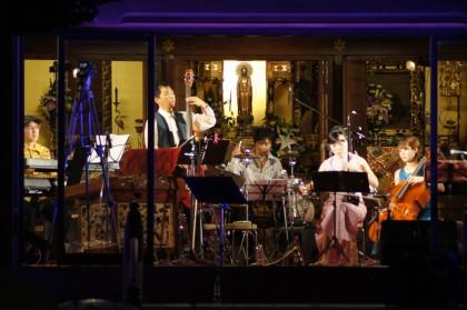 西蓮寺 夜桜コンサート